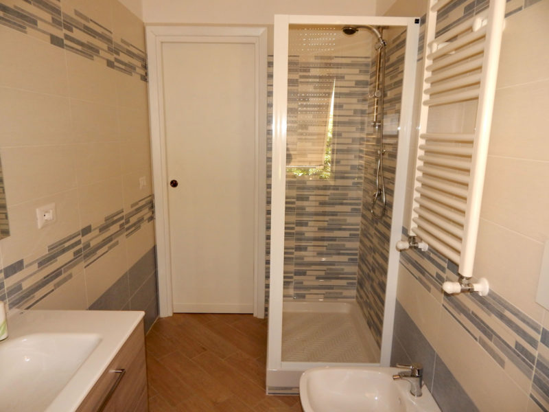 velia-bed-and-breakfast-gaeta-bagno-camere